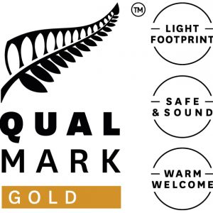 Qualmark gold award logo for Haka Tours